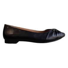 .GRAMERCY POINTED FLAT *CLEARANCE PRICED*