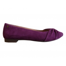 GRAMERCY POINTED FLAT *CLEARANCE PRICED*